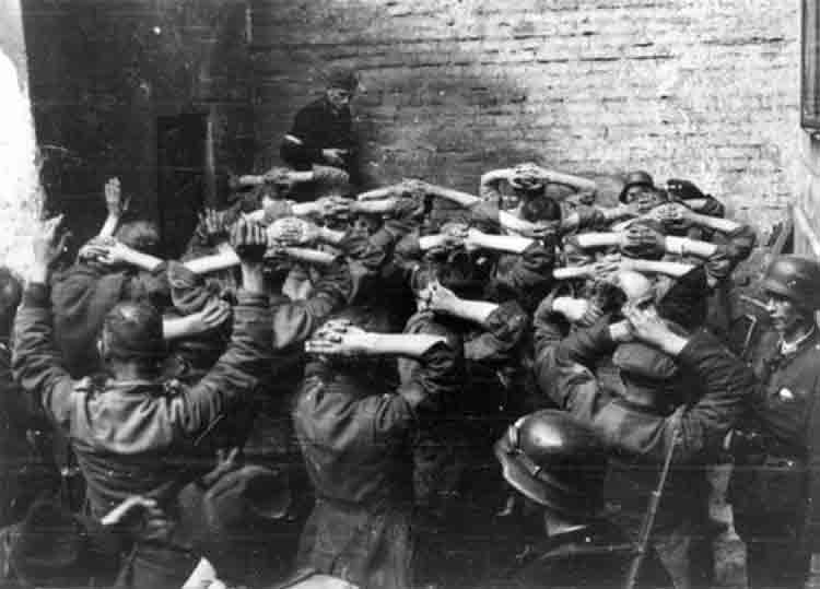 La historia olvidada de los zawisza, los niños soldados que combatieron a los nazis en Polonia 1