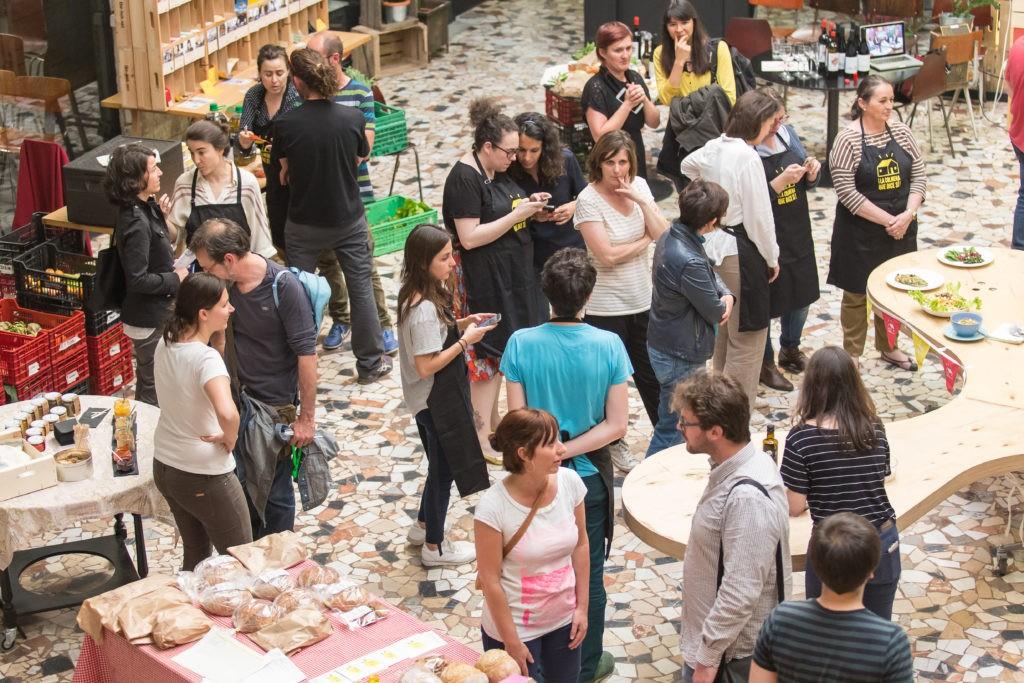 Manifiesto sobre los retos del consumo local: la primera etapa para cambiar el sistema alimentario actual 2