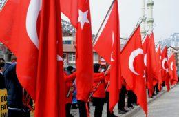 Polémica reforma educativa en Turquía: un libro escolar enseña que la mujer debe obedecer al marido 16