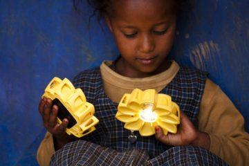Little Sun, un pequeño sol para hogares sin luz en África 22