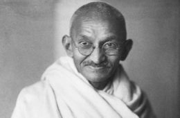 """14 frases de Gandhi, """"el puñado de sal"""" que cambió el mundo 16"""