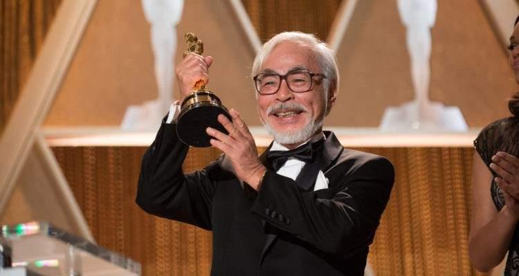 Miyazaki recogiendo su Oscar Honorífico en 2014