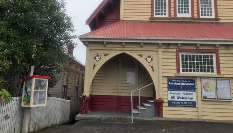 Colocan una pequeña despensa colaborativa en una calle de Auckland y esto es lo que ocurre 4