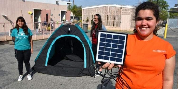 Unas adolescentes diseñan una increíble tienda de campaña para personas sin hogar 2