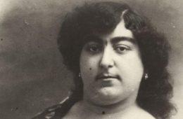 Esta adorada princesa persa tuvo 145 pretendientes de la nobleza, pero hoy en día desafía los cánones de belleza 16