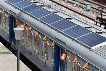 India inaugura sus primeros trenes provistos de paneles solares 11
