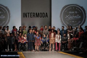 Isabella Springmühl: la diseñadora con síndrome de Down que llena las pasarelas de inclusividad y artesanía indígena 10