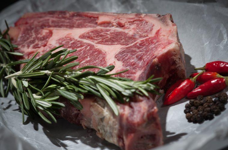 Por fin han descubierto por qué la carne roja puede provocar cáncer 2