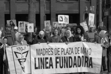 Esta era Marta Vásquez, la presidenta de las Madres de Plaza de Mayo y un símbolo de la lucha por la verdad en Argentina 20
