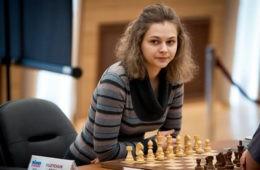 campeona Anna Muzychukrenuncia