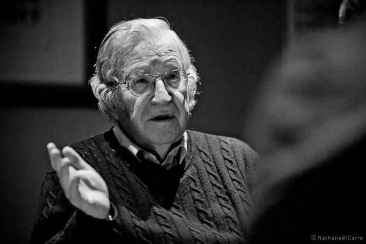 Noam Chomsky revela las 3 grandes crisis a las que nos enfrentamos como sociedad 1