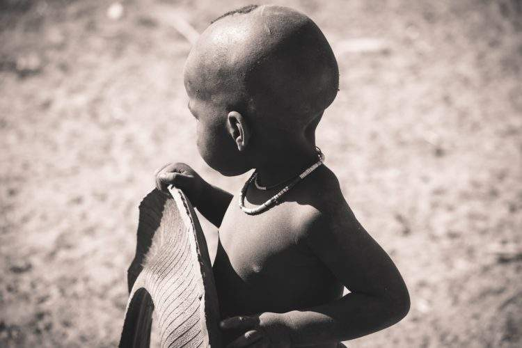 La desgarradora razón por la que 100 bebés conviven en silencio en un orfanato 2