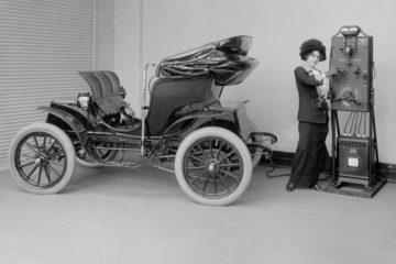 Los primeros vehículos eléctricos ya circulaban en 1880. ¿Por qué no se extendió su uso antes? 13