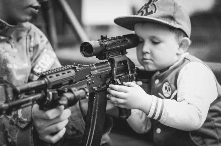 La solución de Trump ante las masacres en las escuelas: armar al 20% de los maestros 2