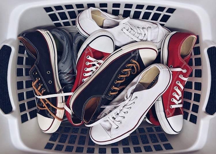Quitarse los zapatos en casa y otros consejos avalados por la ciencia 1