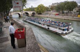 Uritrottoir: urinarios públicos parisinos para evitar orinar en las calles (y abonar las plantas) 12