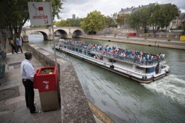 Uritrottoir: urinarios públicos parisinos para evitar orinar en las calles (y abonar las plantas) 13