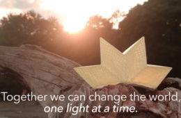 Innovadora lámpara inspirada en el origami, plegable, portátil, con batería pero diseñada para la vida 10