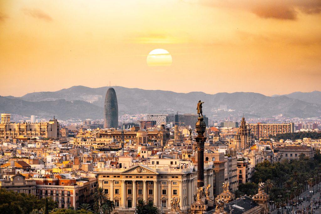 Ocho hoteles en la zona de Barcelona para quedarse de vacaciones 1
