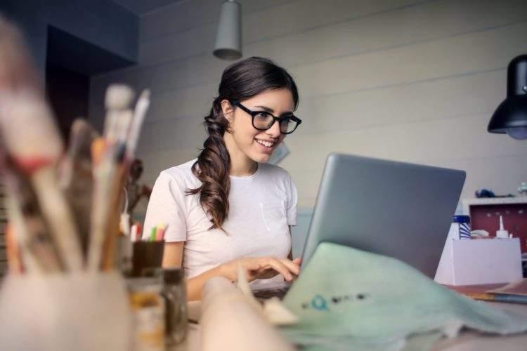 Descubre cómo ganar dinero con internet y evitar estafas 2
