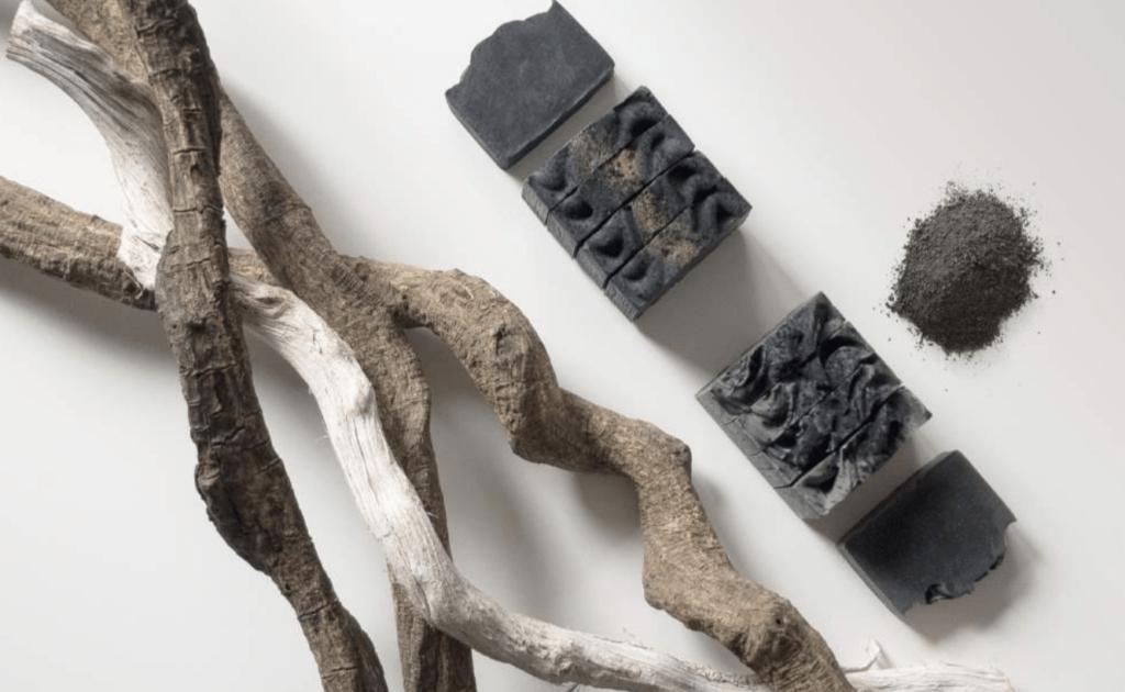 Cuida tu piel ayudando a devolver la vida a los bosques dañados usando jabones creados a partir de sus cenizas 5