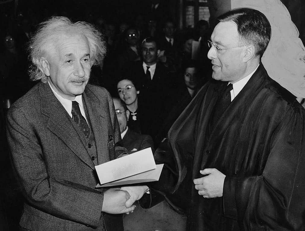 Se revela la visión de Dios de Einstein en una carta ¡subastada por 2,9 millones de dólares! 1