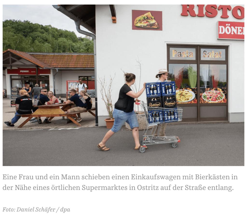 Compran toda la cerveza de los supermercados para boicotear un festival neonazi de su ciudad 2