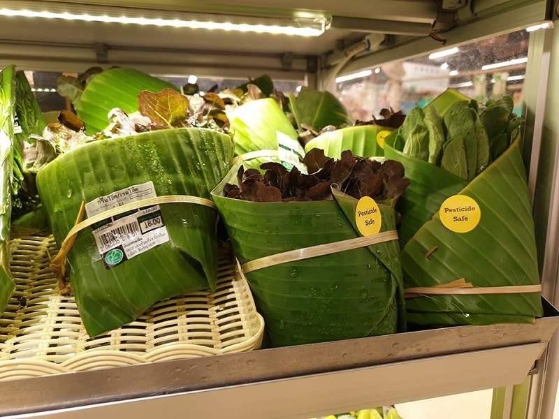Supermercados que están utilizando hojas de plátano en lugar de envolturas de plástico ¡Enhorabuena! 5