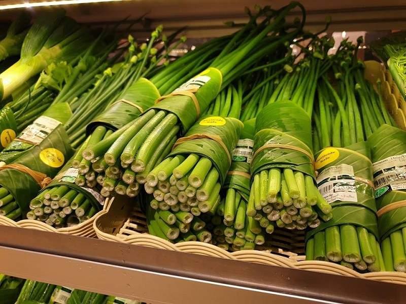 Supermercados que están utilizando hojas de plátano en lugar de envolturas de plástico ¡Enhorabuena! 4