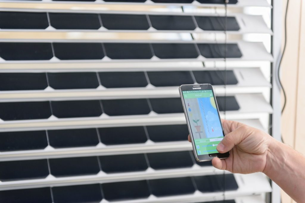 Las ventanas más ecológicas: persianas y cristales que generan energía solar 3