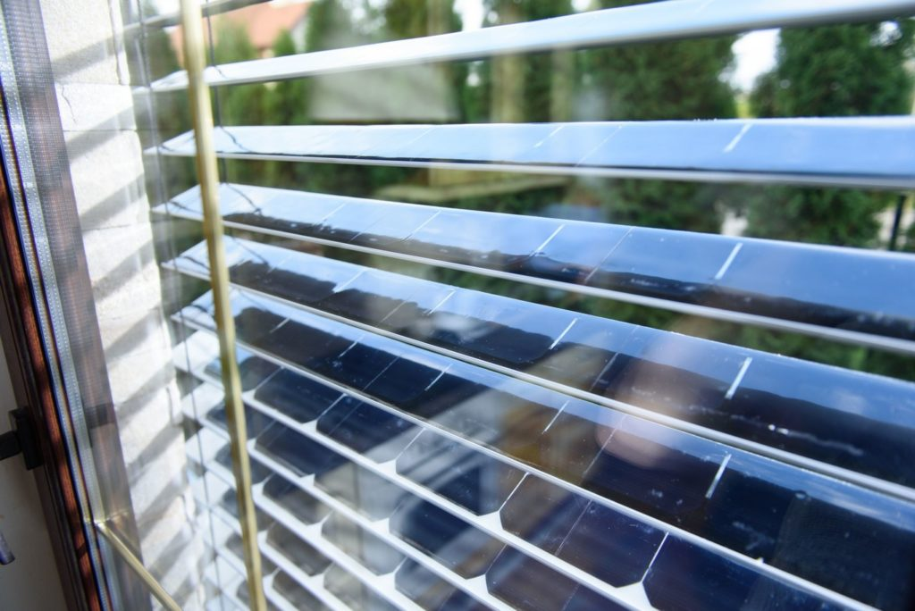 Las ventanas más ecológicas: persianas y cristales que generan energía solar 2