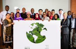 Etiopía siembra 350 millones de árboles en 12 horas batiendo el record mundial para combatir la deforestación 12