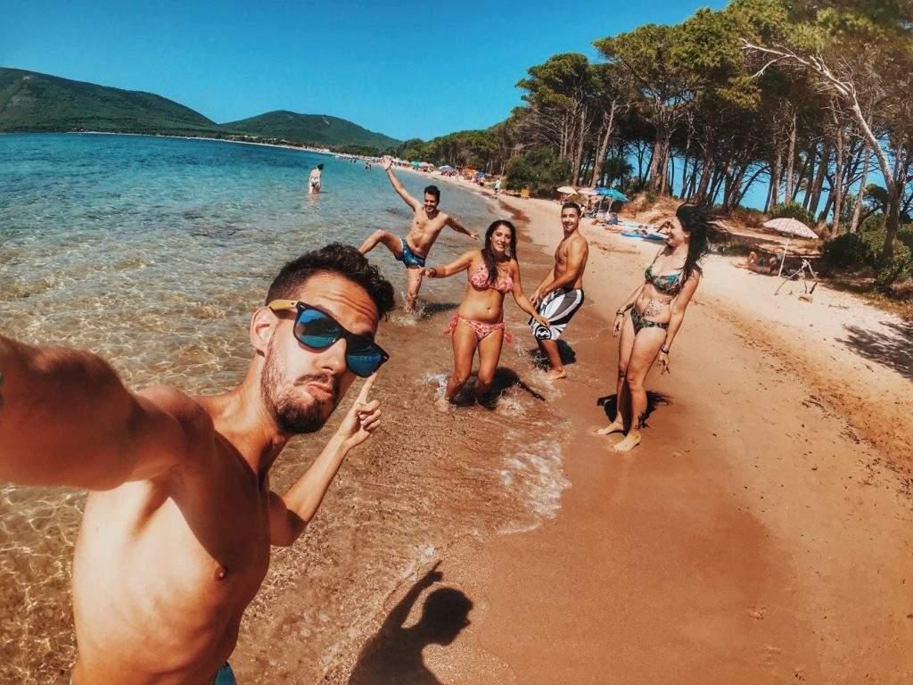 La nueva locura: alquilar amigos falsos para posar contigo en instagram o salir de fiesta 2