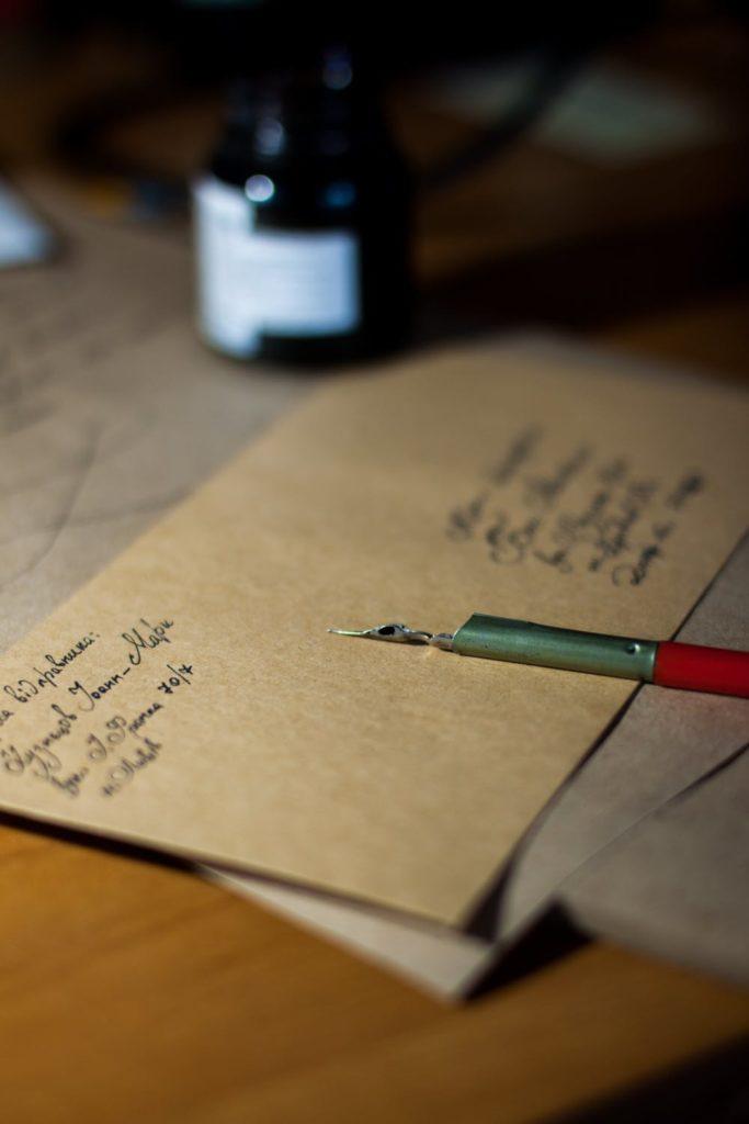 Un sobre, una carta y tus propias palabras sigue siendo la forma perfecta para enviar ese mensaje especial 3