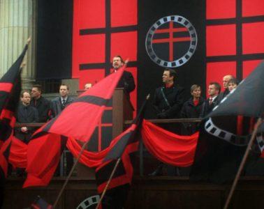 La vieja receta del fascismo: vender odio a cambio de recortar derechos sociales y privatizar las pensiones 14