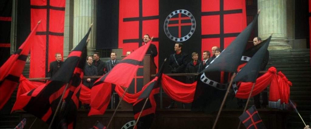 La vieja receta del fascismo: vender odio a cambio de recortar derechos sociales y privatizar las pensiones 2