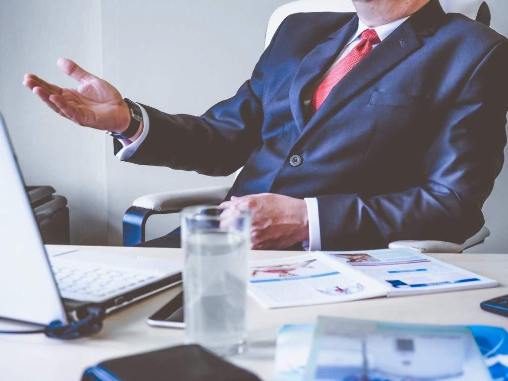 ¿Por qué no se habla de establecer un salario máximo? La idea que revolucionaría el sistema empresarial (y fiscal) 2