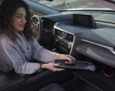 Innovación 3 en 1: la aspiradora que también te ayuda a arrancar el coche y cargar el móvil 14