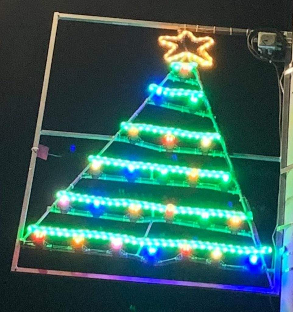 Luces de Navidad diseñadas por niños y niñas de esa misma ciudad ¡Qué gran iniciativa! 7