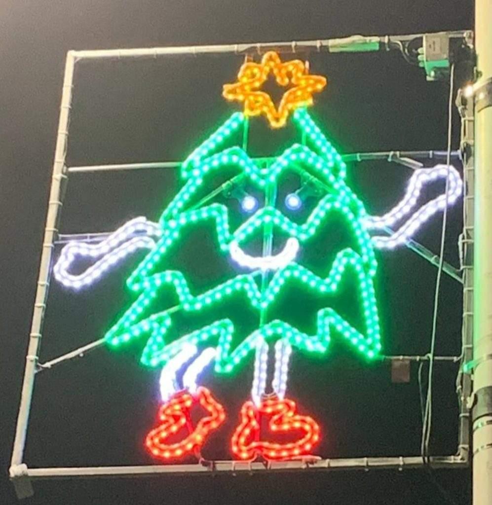 Luces de Navidad diseñadas por niños y niñas de esa misma ciudad ¡Qué gran iniciativa! 3