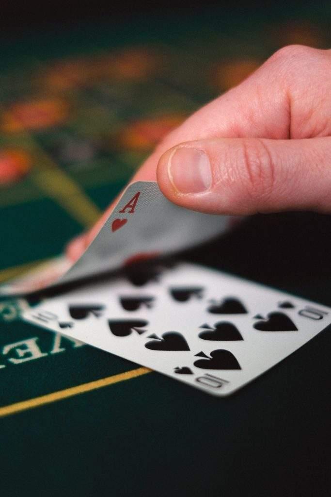 El destino reparte las cartas pero tú eliges cómo jugar. Un campeón de póquer te desvela sus trucos 1